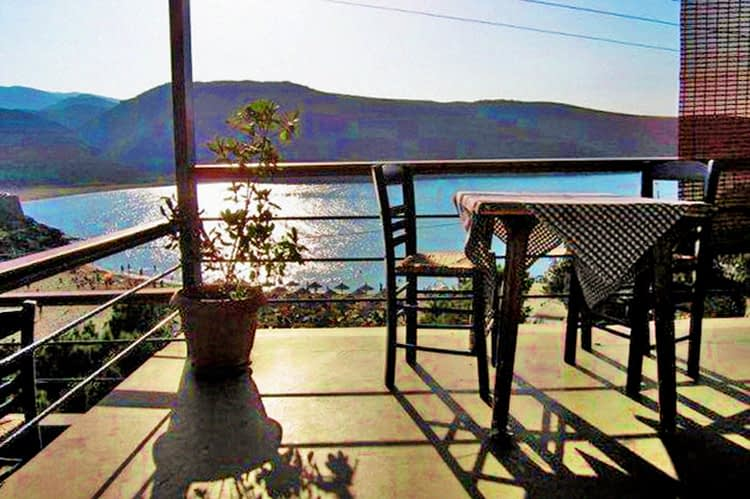 tinos-greek-island-beaches-tourism-victoria-Rooms-and-Restaurant